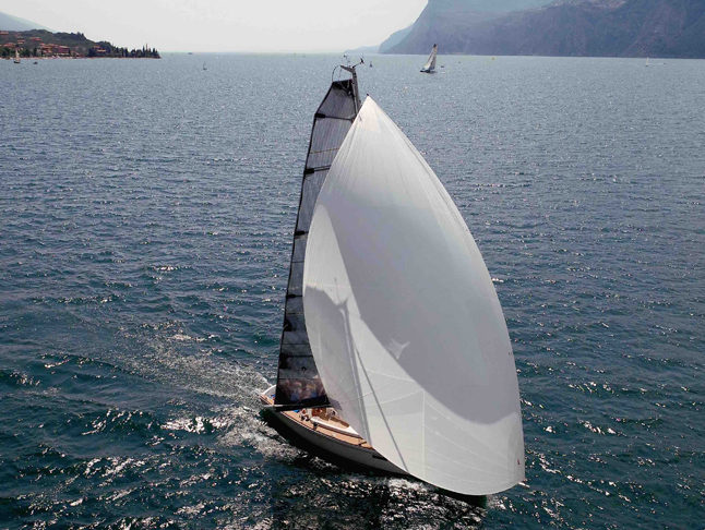 ONESAILS REVOLUTIONISING FURLING SAILS WITH THE IFS SYSTEM AT BOOT