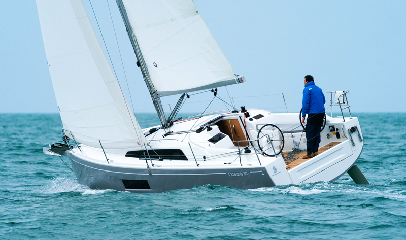 BÉNÉTEAU SHOWCASES THEIR SMALL OCEANIS 30.1