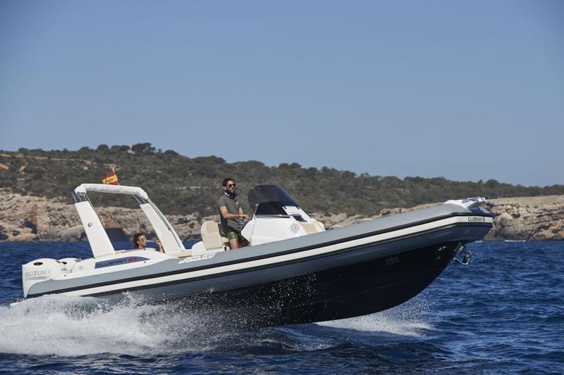 Joker Boat  con tre Clubman al Boot