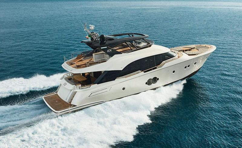 Monte Carlo Yachts in passerella al Boot con il MCY 80