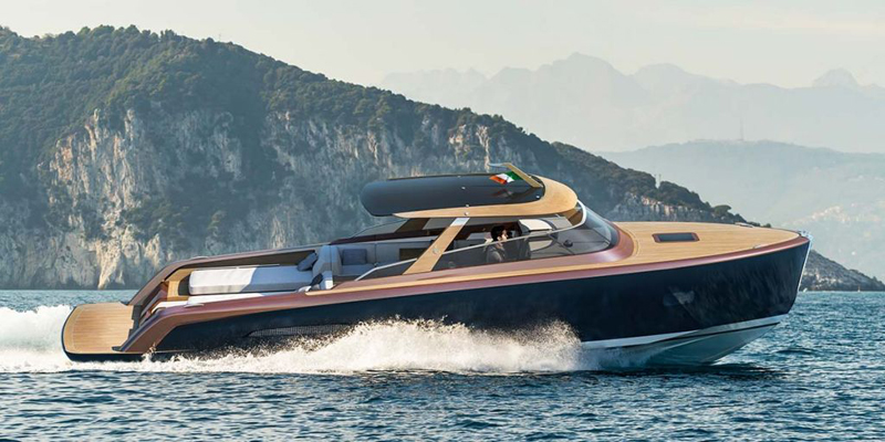 CASTAGNOLA YACHT COMBINES HI-TECH PROCESSES WITH WOOD PRODUCTION, THE HERITAGE 9.9