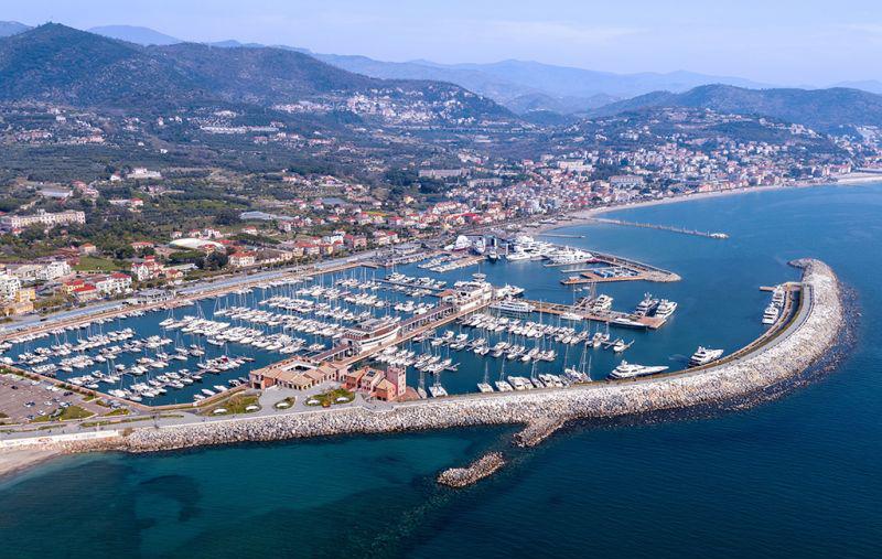 Marina di Loano premiato con l'ottava Bandiera Blu