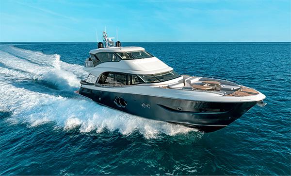 Monte Carlo Yachts presenta il nuovo MCY 76 Skylounge