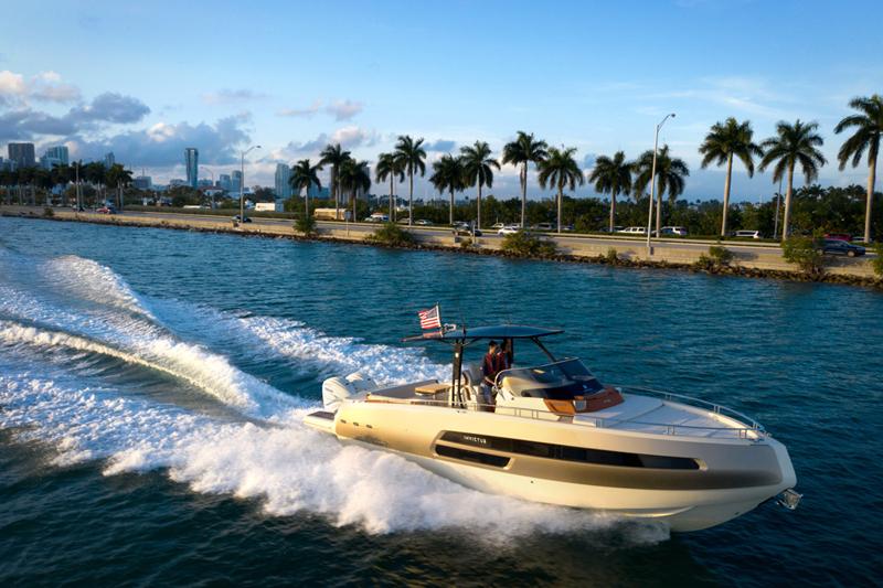 Varata la partnership tra Yamaha e Invictus Yacht