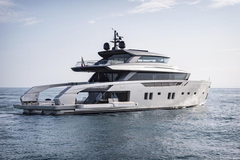 Il Sanlorenzo SX112 debutta (in compagnia) al Palm Beach International Boat Show