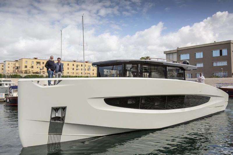 Evo Yachts vara la sua ammiraglia Evo V8